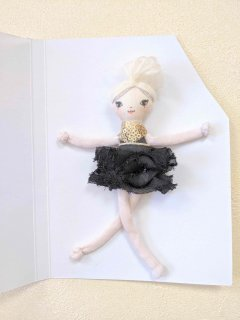 <img class='new_mark_img1' src='https://img.shop-pro.jp/img/new/icons14.gif' style='border:none;display:inline;margin:0px;padding:0px;width:auto;' />These Little Treasures「Miniature Lola - Ballerina」