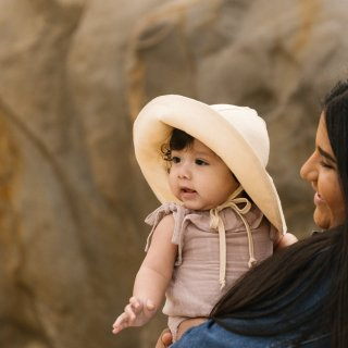<img class='new_mark_img1' src='https://img.shop-pro.jp/img/new/icons56.gif' style='border:none;display:inline;margin:0px;padding:0px;width:auto;' />Briar Baby「Dune Sunbonnet」