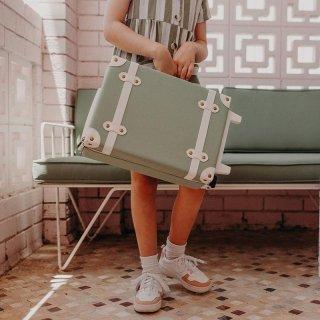 Olli Ella「See-Ya Suitcase (Sage)」
