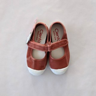 <img class='new_mark_img1' src='https://img.shop-pro.jp/img/new/icons14.gif' style='border:none;display:inline;margin:0px;padding:0px;width:auto;' />Cienta「Velcro One Strap Shoes (Wine/dyed)」