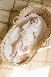 <img class='new_mark_img1' src='https://img.shop-pro.jp/img/new/icons14.gif' style='border:none;display:inline;margin:0px;padding:0px;width:auto;' />bebe organic「Bea Baby Set (Natural Flowers)」2021-SS