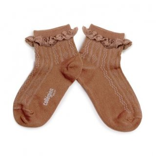 <img class='new_mark_img1' src='https://img.shop-pro.jp/img/new/icons14.gif' style='border:none;display:inline;margin:0px;padding:0px;width:auto;' />Collegien「Marie Antoinette Pointelle Summer Socks with Broderie Anglaise Trim - Praline de Lyon」