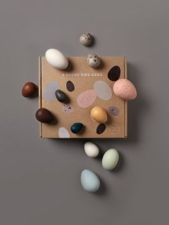 <img class='new_mark_img1' src='https://img.shop-pro.jp/img/new/icons14.gif' style='border:none;display:inline;margin:0px;padding:0px;width:auto;' />MOON PICNIC「A DOZEN BIRD EGGS IN A BOX」