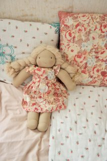 <img class='new_mark_img1' src='https://img.shop-pro.jp/img/new/icons14.gif' style='border:none;display:inline;margin:0px;padding:0px;width:auto;' />BONJOUR DIARY 「Doll dress with panty (Big flower print)」2021-SS