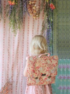 <img class='new_mark_img1' src='https://img.shop-pro.jp/img/new/icons14.gif' style='border:none;display:inline;margin:0px;padding:0px;width:auto;' />BONJOUR DIARY 「Quilted school bag (Big flower print)」2021-SS