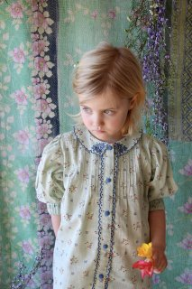 <img class='new_mark_img1' src='https://img.shop-pro.jp/img/new/icons14.gif' style='border:none;display:inline;margin:0px;padding:0px;width:auto;' />BONJOUR DIARY 「Madeleine Blouse (Mint flower print)」2021-SS