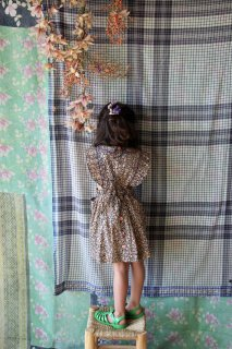 <img class='new_mark_img1' src='https://img.shop-pro.jp/img/new/icons14.gif' style='border:none;display:inline;margin:0px;padding:0px;width:auto;' />BONJOUR DIARY 「Reina dress (Blue flowers print)」2021-SS