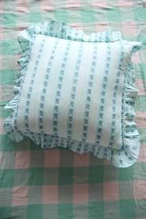 <img class='new_mark_img1' src='https://img.shop-pro.jp/img/new/icons14.gif' style='border:none;display:inline;margin:0px;padding:0px;width:auto;' />BONJOUR DIARY 「Pillow case (Blue flowers stripe)」2021-SS