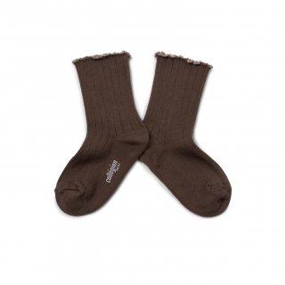 <img class='new_mark_img1' src='https://img.shop-pro.jp/img/new/icons14.gif' style='border:none;display:inline;margin:0px;padding:0px;width:auto;' />Collegien「Delphine Lettuce Trim Socks - Chocolat au lait」