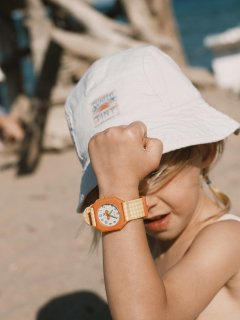 <img class='new_mark_img1' src='https://img.shop-pro.jp/img/new/icons14.gif' style='border:none;display:inline;margin:0px;padding:0px;width:auto;' />mini kyomo×TINY COTTONS「kids watch (vichy yellow)」
