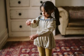 <img class='new_mark_img1' src='https://img.shop-pro.jp/img/new/icons14.gif' style='border:none;display:inline;margin:0px;padding:0px;width:auto;' />Little Cotton Clothes「Layla Romper - vintage floral」2021-AW