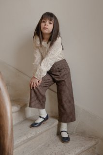 <img class='new_mark_img1' src='https://img.shop-pro.jp/img/new/icons14.gif' style='border:none;display:inline;margin:0px;padding:0px;width:auto;' />minimom「Viola Checked Trousers (Brown/Navy)」2021-AW