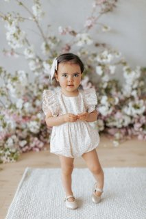 <img class='new_mark_img1' src='https://img.shop-pro.jp/img/new/icons14.gif' style='border:none;display:inline;margin:0px;padding:0px;width:auto;' />Jamie Kay「Stella Playsuit - Natural Limonium Floral」Chloe Collection