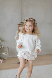 <img class='new_mark_img1' src='https://img.shop-pro.jp/img/new/icons14.gif' style='border:none;display:inline;margin:0px;padding:0px;width:auto;' />Jamie Kay「Milly Blouse - Milk」Chloe Collection