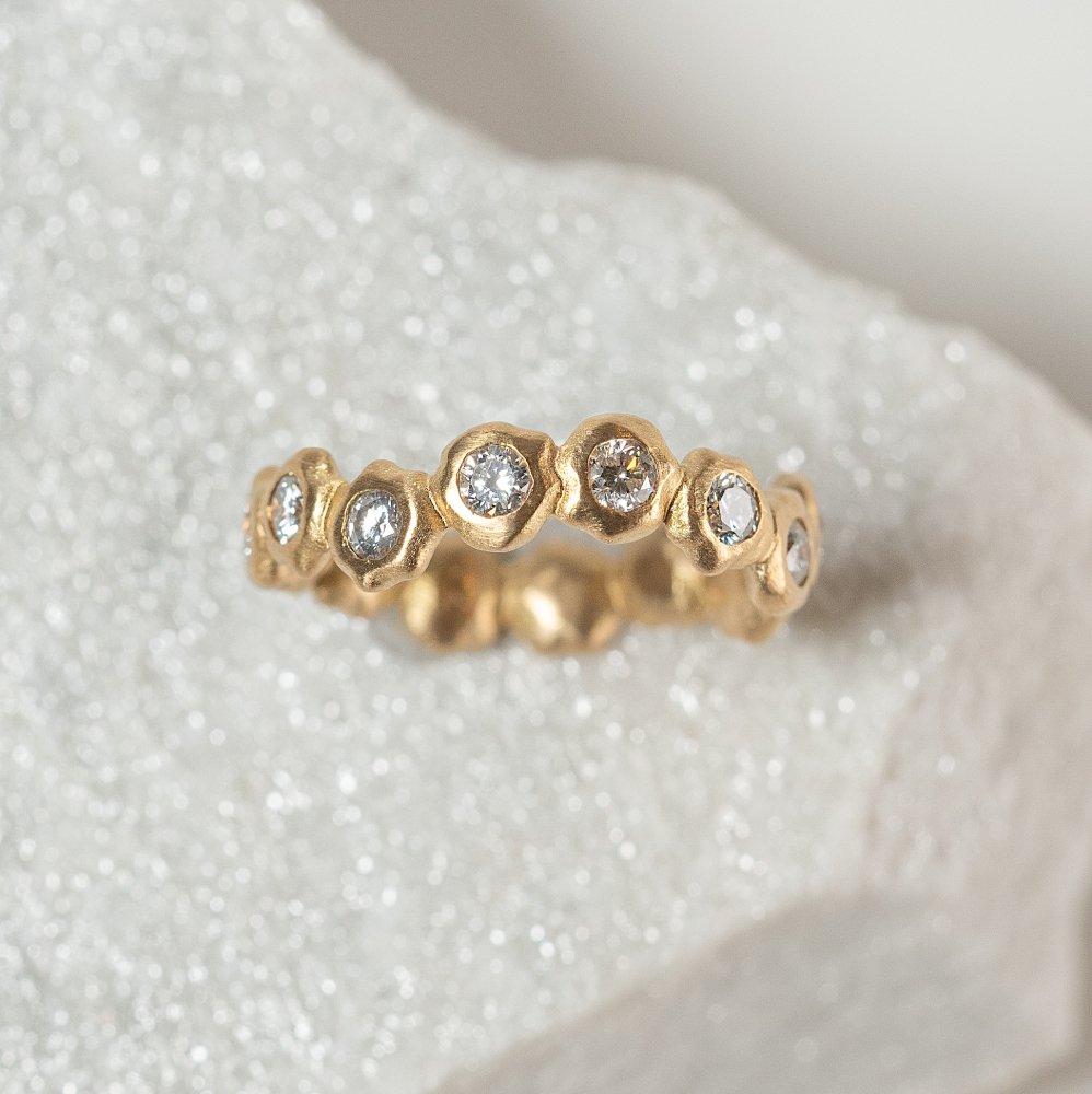 N°11 kotama eternity ring 02