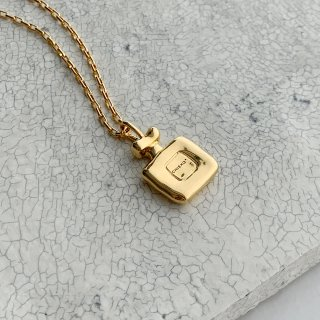<img class='new_mark_img1' src='https://img.shop-pro.jp/img/new/icons56.gif' style='border:none;display:inline;margin:0px;padding:0px;width:auto;' />perfume bottle necklace † gold●