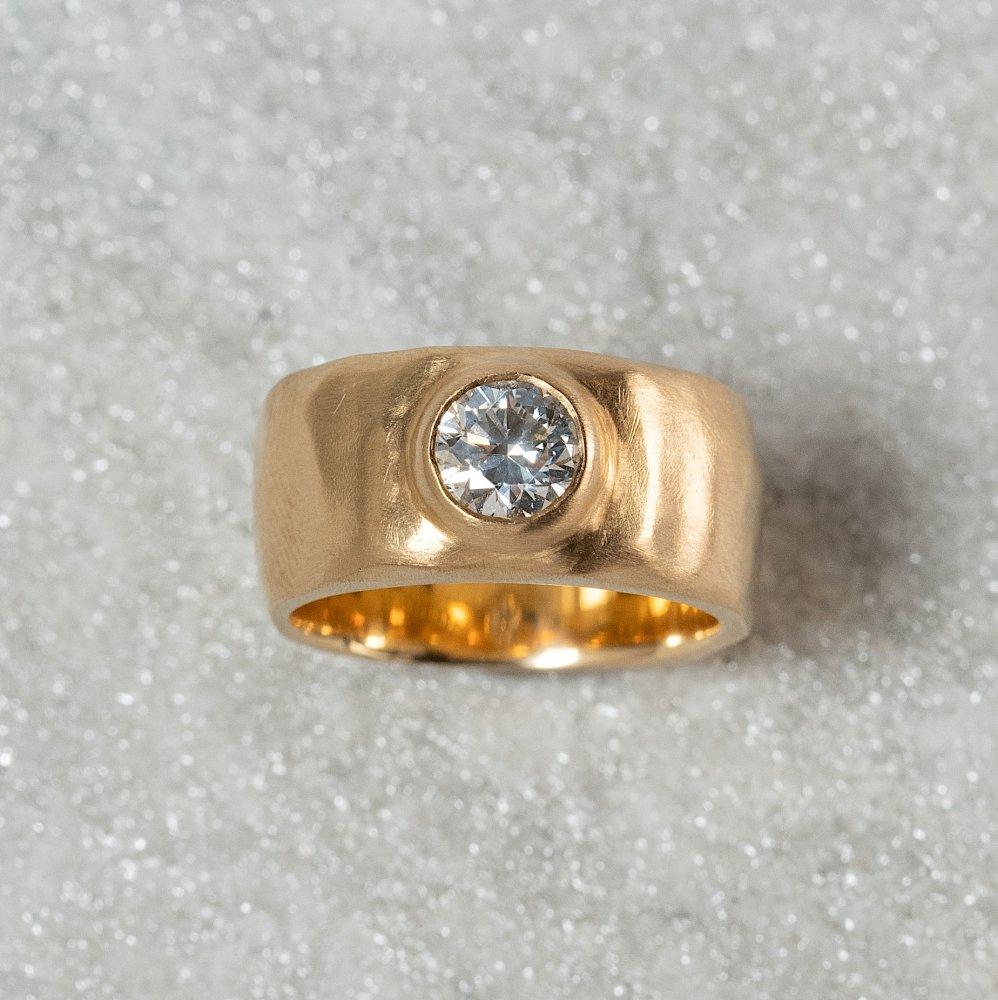 <img class='new_mark_img1' src='https://img.shop-pro.jp/img/new/icons8.gif' style='border:none;display:inline;margin:0px;padding:0px;width:auto;' />N°15 curvy diamond ring