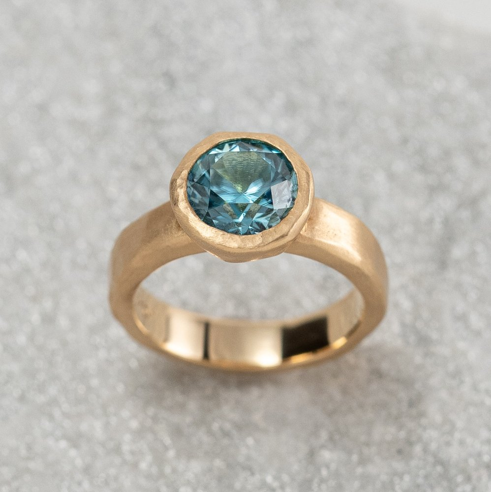 <img class='new_mark_img1' src='https://img.shop-pro.jp/img/new/icons8.gif' style='border:none;display:inline;margin:0px;padding:0px;width:auto;' />N°24    jewel ring † blue zircon