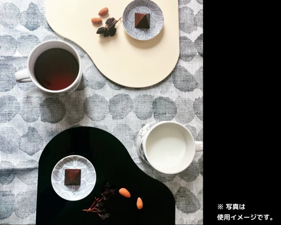 [セット商品]福西惣兵衛商店謹製 会津塗のピアノプレート(黒+アイボリー)