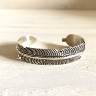 Tanya Tee Mace Navajo Feather Bangle