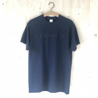 BAY GARAGE Printed T <br>New Logo<br> Navy x Black Printed