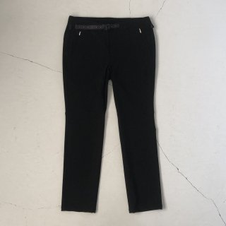 O- (オー)  <br>Narrow Easy Trousers<br>Black