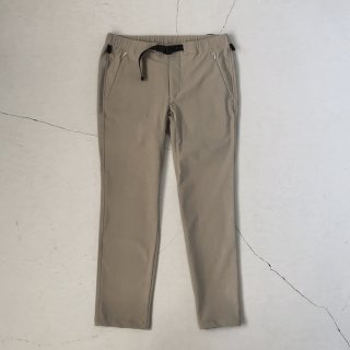 O- (オー)  <br>Narrow Easy Trousers<br>Light Gray