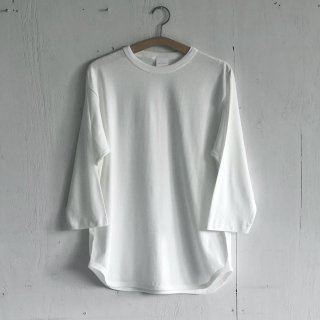 BAYGARAGE <br>3/4 Sleeve Baseball T <br>Natural