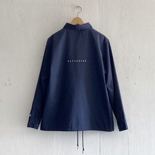 BAY GARAGE Coach JKT<br>Navy x White Printed<br>New Logo