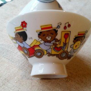レトロな子ども茶碗 女の子と楽隊