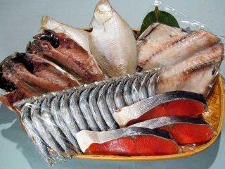 紅鮭とオススメ干物4種(あじ,エテカレイ,ツボダイ,ウルメ一夜干)のセット