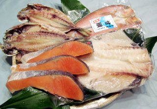 塩銀鮭、あまだい、あじ、ツボダイの干物のセット