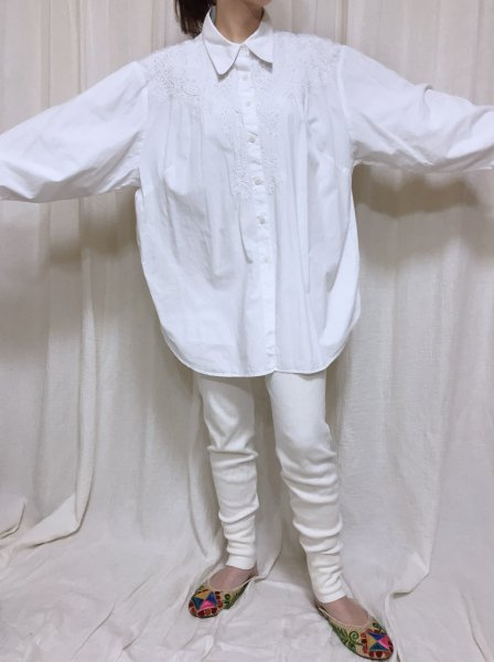white bead embroidery shirt