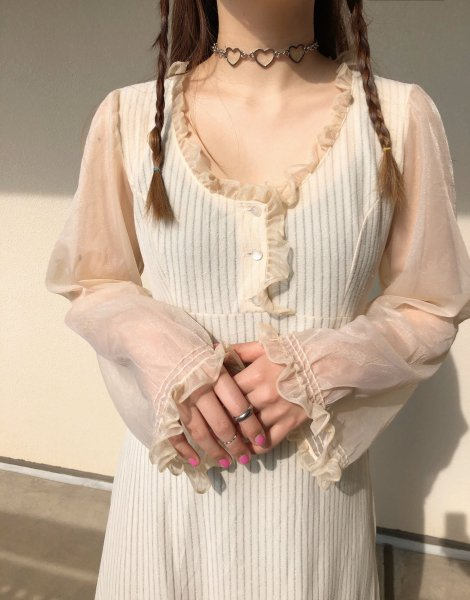 <img class='new_mark_img1' src='https://img.shop-pro.jp/img/new/icons14.gif' style='border:none;display:inline;margin:0px;padding:0px;width:auto;' />beige long dress