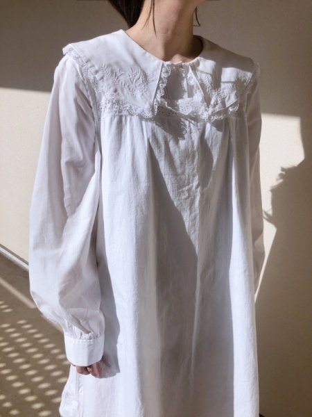 white big collar frill  blouse