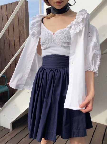<img class='new_mark_img1' src='https://img.shop-pro.jp/img/new/icons1.gif' style='border:none;display:inline;margin:0px;padding:0px;width:auto;' />navy volume gathered skirt
