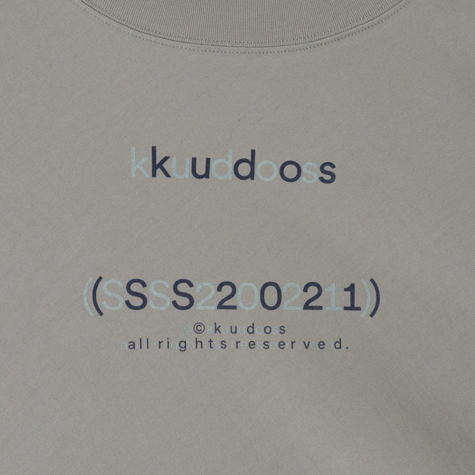 kudos<br />WE ARE HERE TOGETHER! T-SHIRT / GRAY  <img class='new_mark_img2' src='https://img.shop-pro.jp/img/new/icons14.gif' style='border:none;display:inline;margin:0px;padding:0px;width:auto;' />