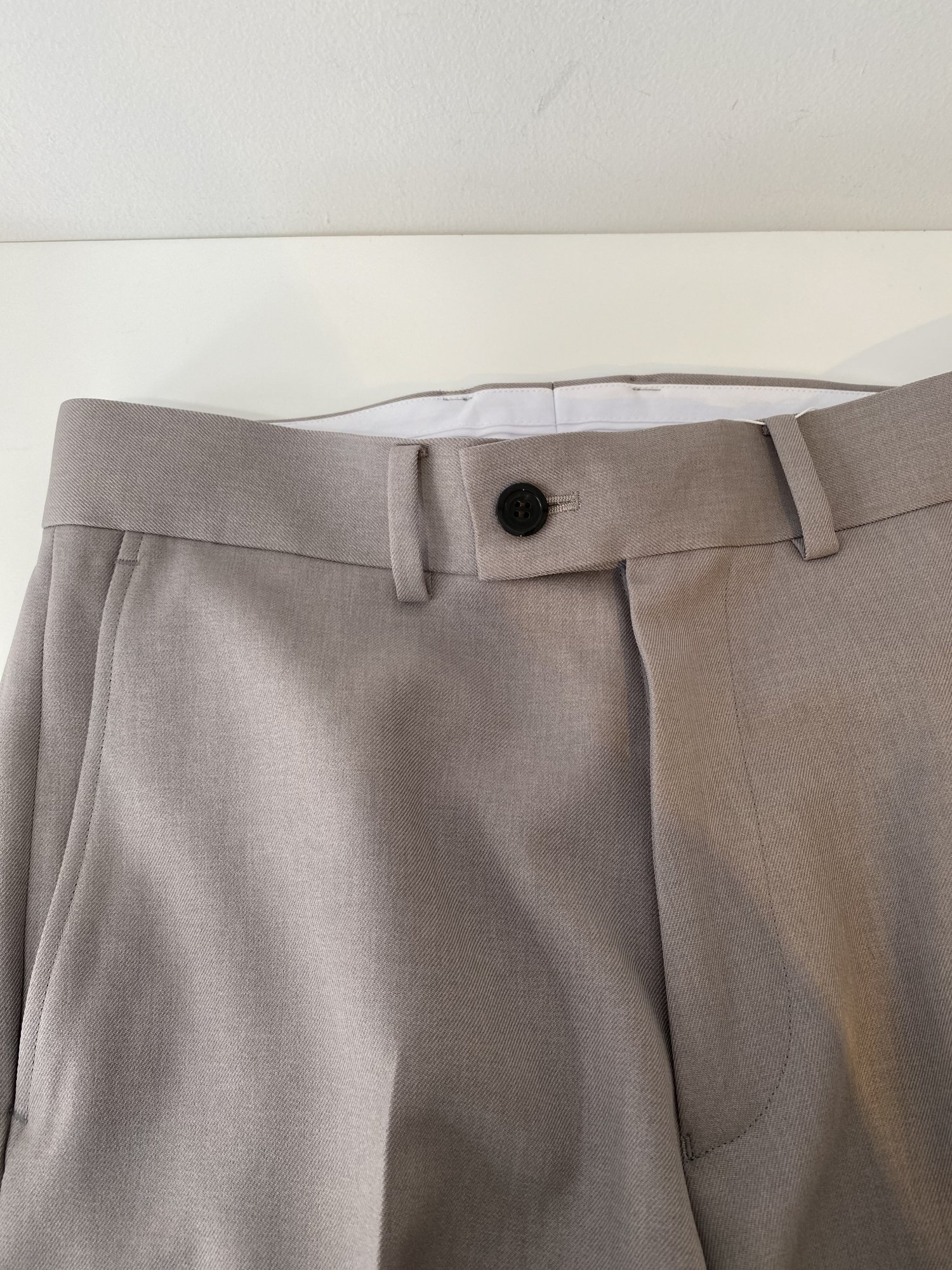 ALLEGE<br />[30%off] Ankle Slacks / GRAY <img class='new_mark_img2' src='https://img.shop-pro.jp/img/new/icons20.gif' style='border:none;display:inline;margin:0px;padding:0px;width:auto;' />
