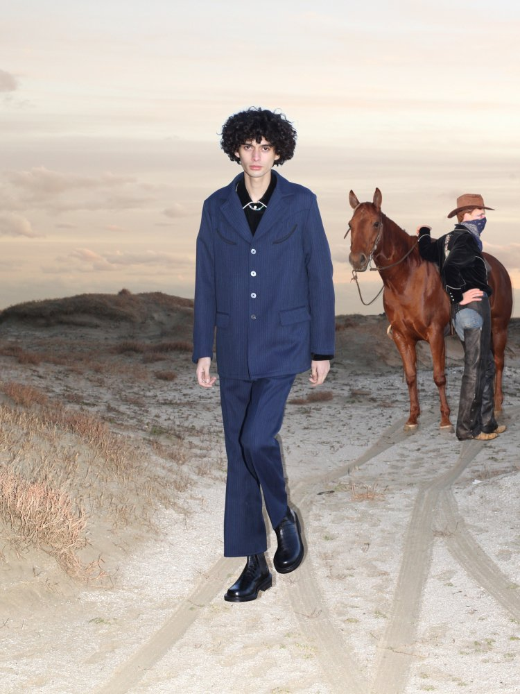JieDa<br />WESTERN TAILORED JACKET & STRIPE FLARE PANTS SET / NAVY ST<img class='new_mark_img2' src='https://img.shop-pro.jp/img/new/icons14.gif' style='border:none;display:inline;margin:0px;padding:0px;width:auto;' />
