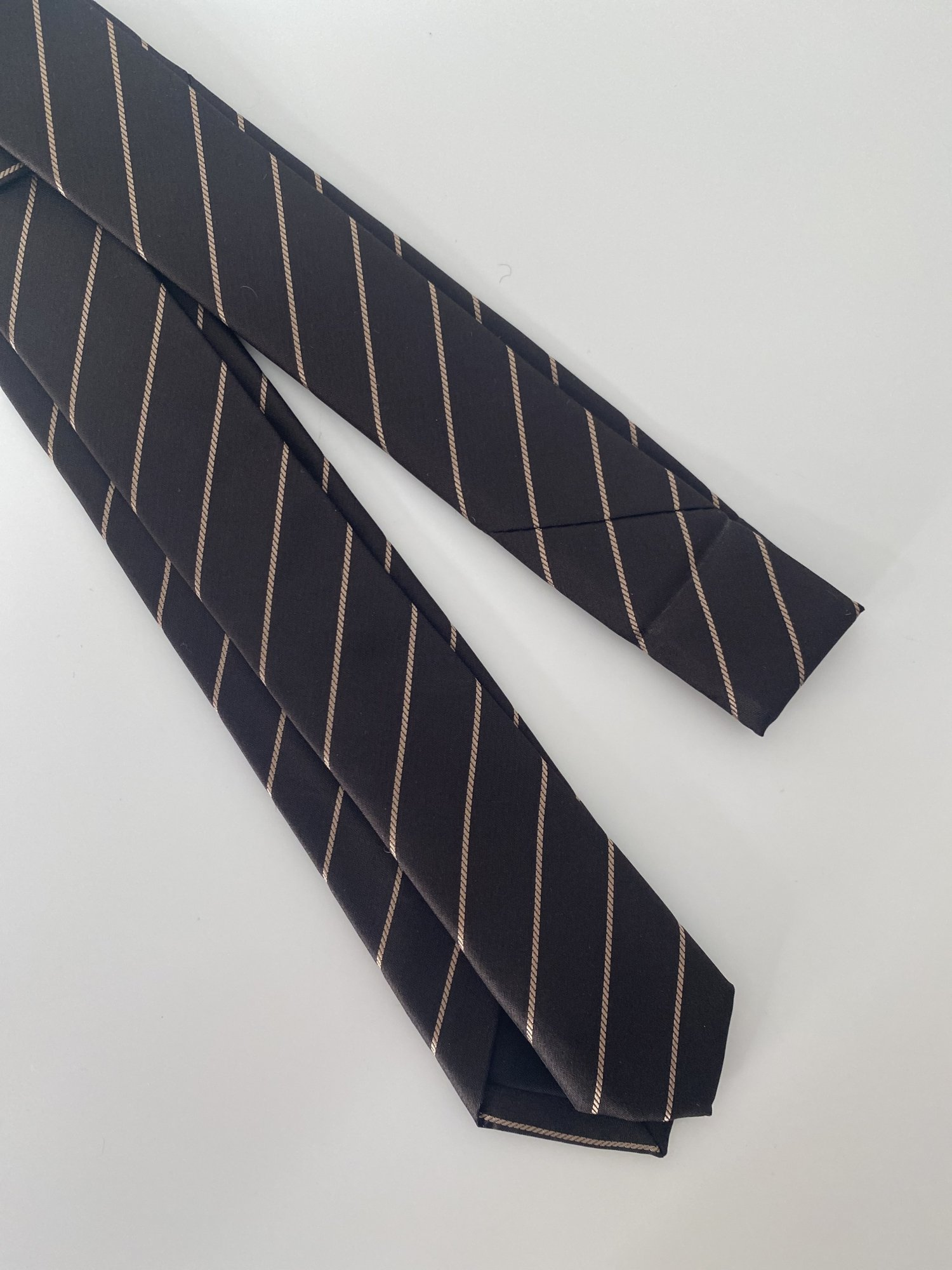 LITTLEBIG<br />Stripe Silk Narrow Tie / Brown<img class='new_mark_img2' src='https://img.shop-pro.jp/img/new/icons47.gif' style='border:none;display:inline;margin:0px;padding:0px;width:auto;' />