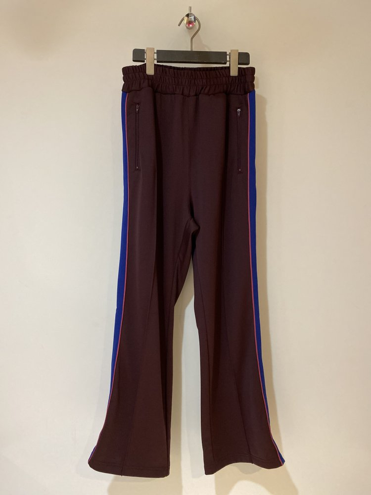 LITTLEBIG<br />Track Pants / Bordeaux<img class='new_mark_img2' src='https://img.shop-pro.jp/img/new/icons47.gif' style='border:none;display:inline;margin:0px;padding:0px;width:auto;' />