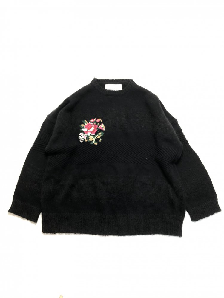 DAIRIKU<br />Flower Cross Embroidery Border Knit / Black<img class='new_mark_img2' src='https://img.shop-pro.jp/img/new/icons14.gif' style='border:none;display:inline;margin:0px;padding:0px;width:auto;' />