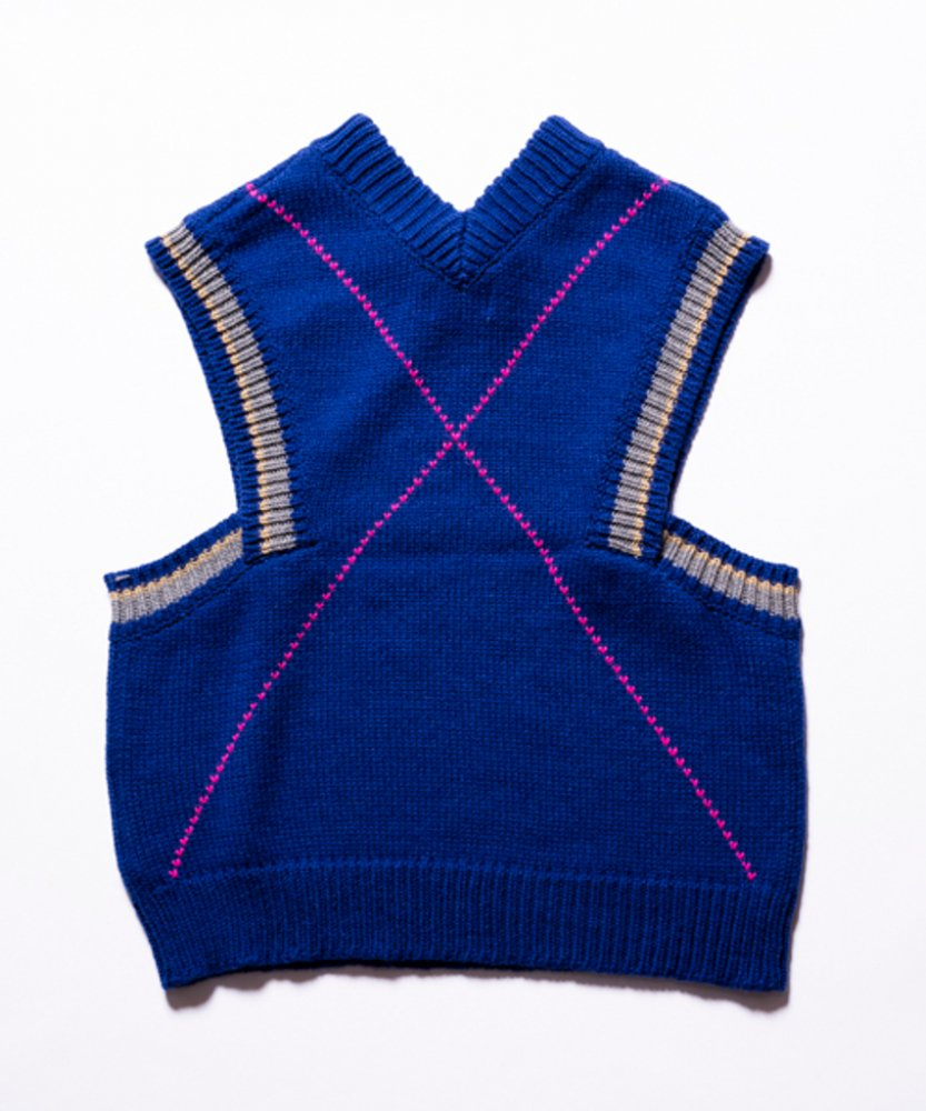 kudos<br />HEART CROSS KNIT VEST / BLUE<img class='new_mark_img2' src='https://img.shop-pro.jp/img/new/icons14.gif' style='border:none;display:inline;margin:0px;padding:0px;width:auto;' />