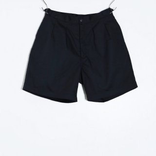 pleated shorts / navy