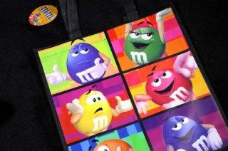 m&m's エムアンドエムズ ショッピングトートバッグ ブラック 輸入雑貨/海外雑貨/直輸入/アメリカ雑貨/イギリス雑貨/おもちゃ/m&m's/エムアンドエムズ/えむあんどえむず/バッグ/エコバッグ