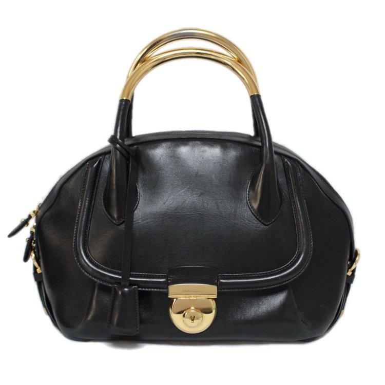 Ferragamo フェラガモ ヴィンテージ<br>フィアンマメタルハンドルレザーハンドバッグ ブラック