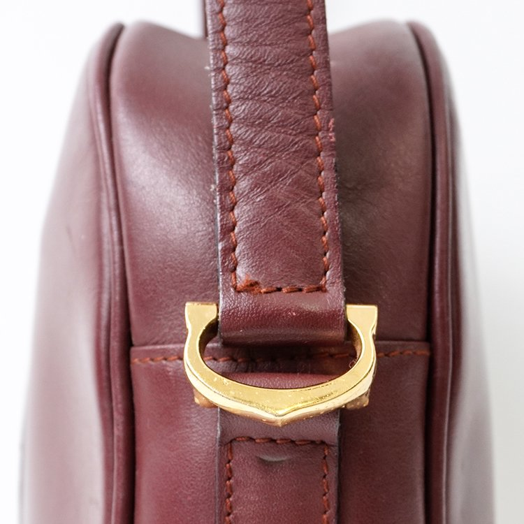 Cartier カルティエ ヴィンテージ<br>マストラインコンパクトレザーショルダーバッグ ボルドー