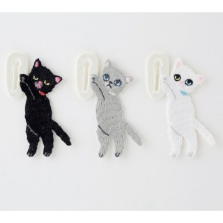 KEORA KEORA(ケオラケオラ)つんつんボタン猫(3カラー)