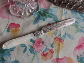 シェフィールド 白蝶貝とスターリングシルバーのデザートナイフ