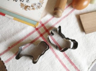 イギリスアンティーク Tala社クッキー型(犬とリス)